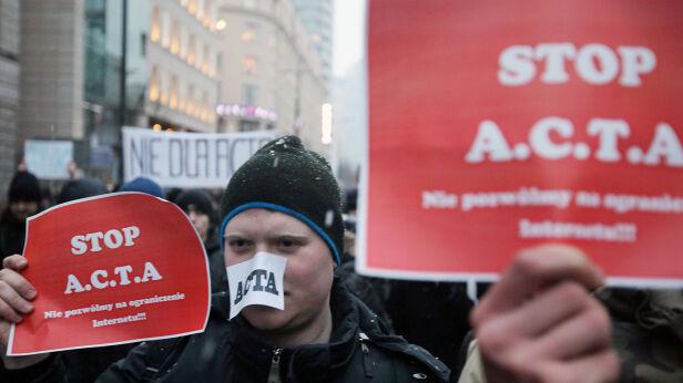Wtorkowy protest przeciwko ACTA - fot. PAP/Paweł Supernak