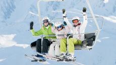 W Alpach idealne warunki do szusowania. Ciepło, słonecznie, pełno śniegu