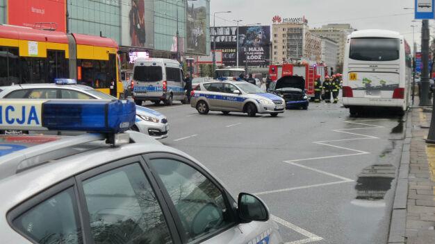 Marszałkowska była zamknięta. Zderzyły się cztery samochody