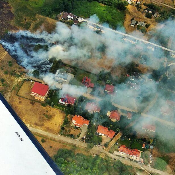 Pożar traw na Białołęce Łukasz Paczuski, SkyBlog
