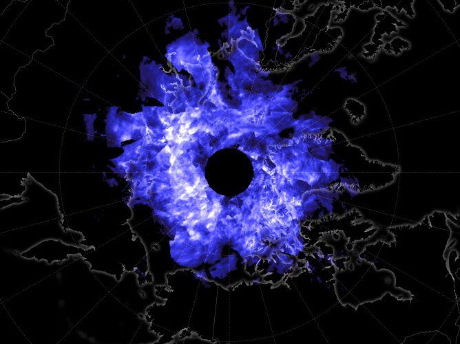 Zasięg obłoków srebrzystych 12 czerwca (NASA Earth Observatory/Joshua Stevens)