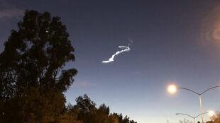 Tajemnicza smuga na niebie. Meteor, satelita, a może kosmici?